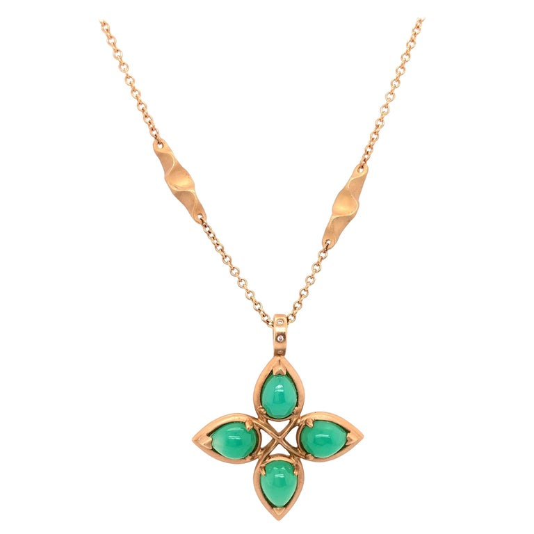 18 Karat Yellow Gold Caleo Chrysoprase Pendant Necklace For Sale