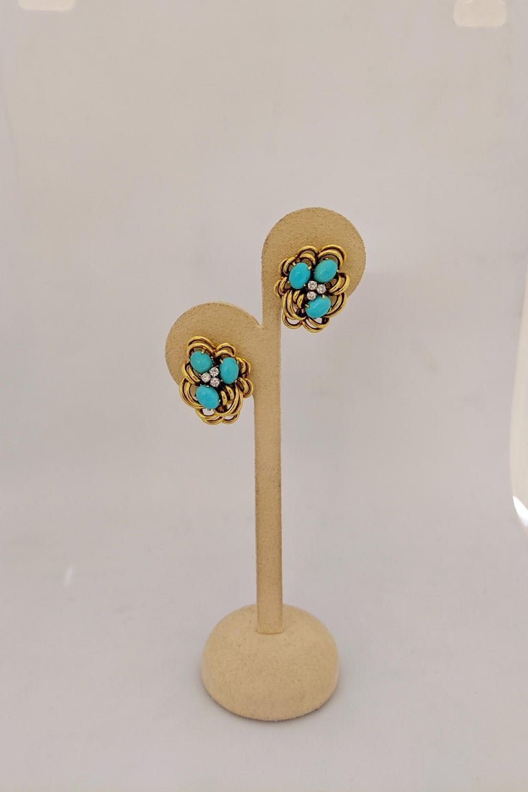Retro 18 Karat Yellow Gold Cluster Earring with Turquoise and Diamonds For Sale