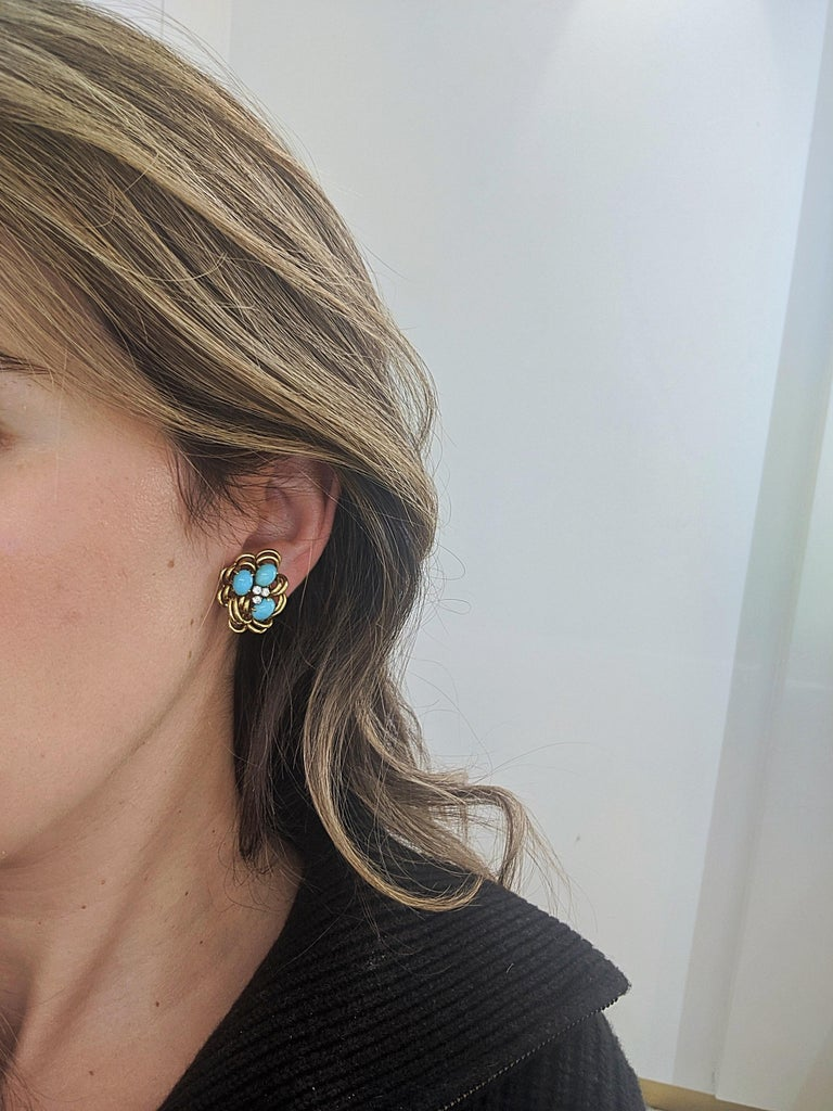 Women's or Men's 18 Karat Yellow Gold Cluster Earring with Turquoise and Diamonds For Sale