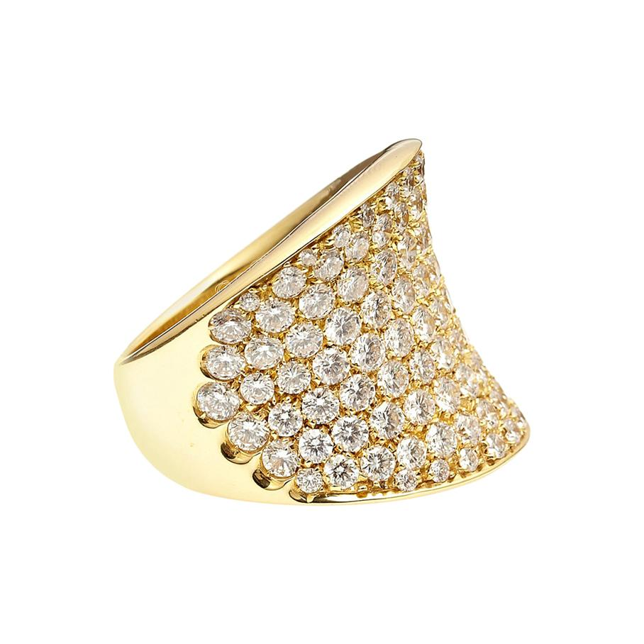 18kt Yellow Gold Convave Pavé Ring with 5.65ct of Diamonds