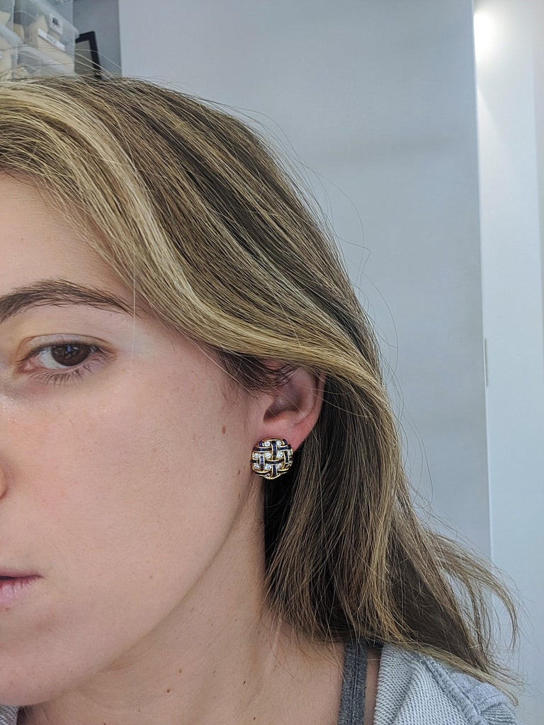 18 Karat Gold Earrings with 1.64 Carat Diamond and 3.94 Carat Blue Sapphires In New Condition For Sale In New York, NY