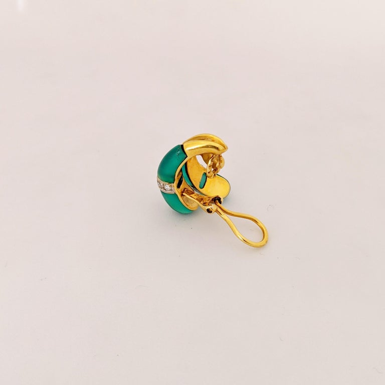 Round Cut 18 Karat Yellow Gold Earrings with Diamond and Chrysoprase For Sale