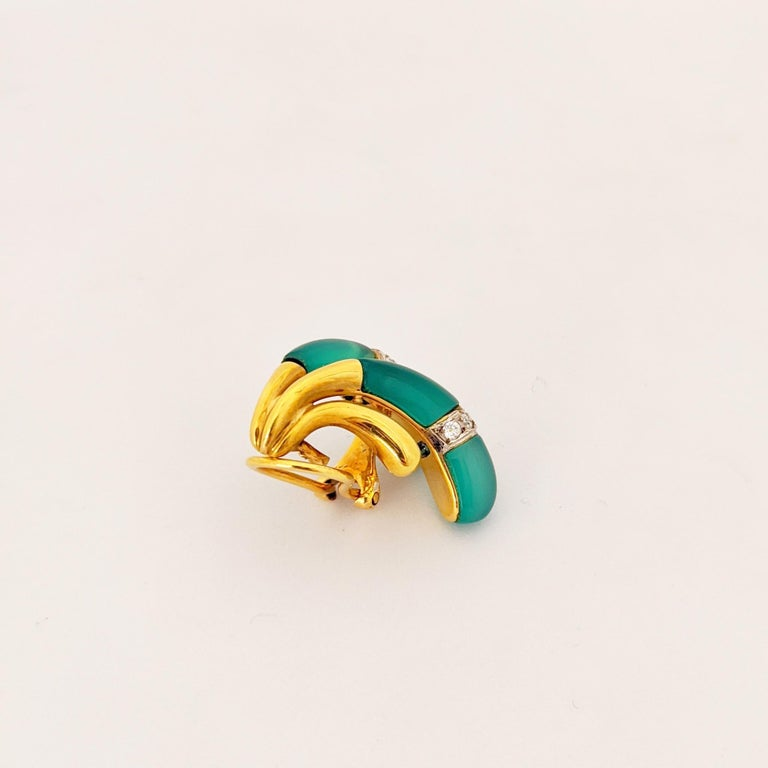 Women's or Men's 18 Karat Yellow Gold Earrings with Diamond and Chrysoprase For Sale