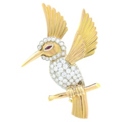 18kt Yellow Gold Hummingbird Brooch with Ruby Eye and Diamonds