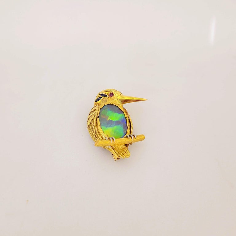 Retro 18 Karat Yellow Gold King Puffin Brooch with 12.44 Carat Black Opal Center For Sale