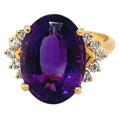 18kt Yellow Gold Oval Amethyst 7.24ct. & Diamond 0.76ct. Ring