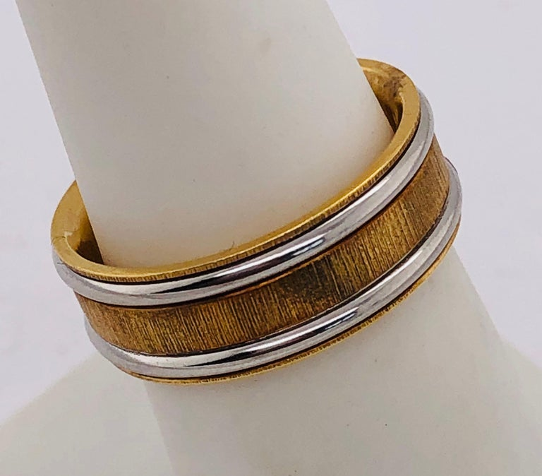 18 Karat Yellow Gold Platinum Ring Bridal or Wedding Band Ring In Good Condition For Sale In Stamford, CT