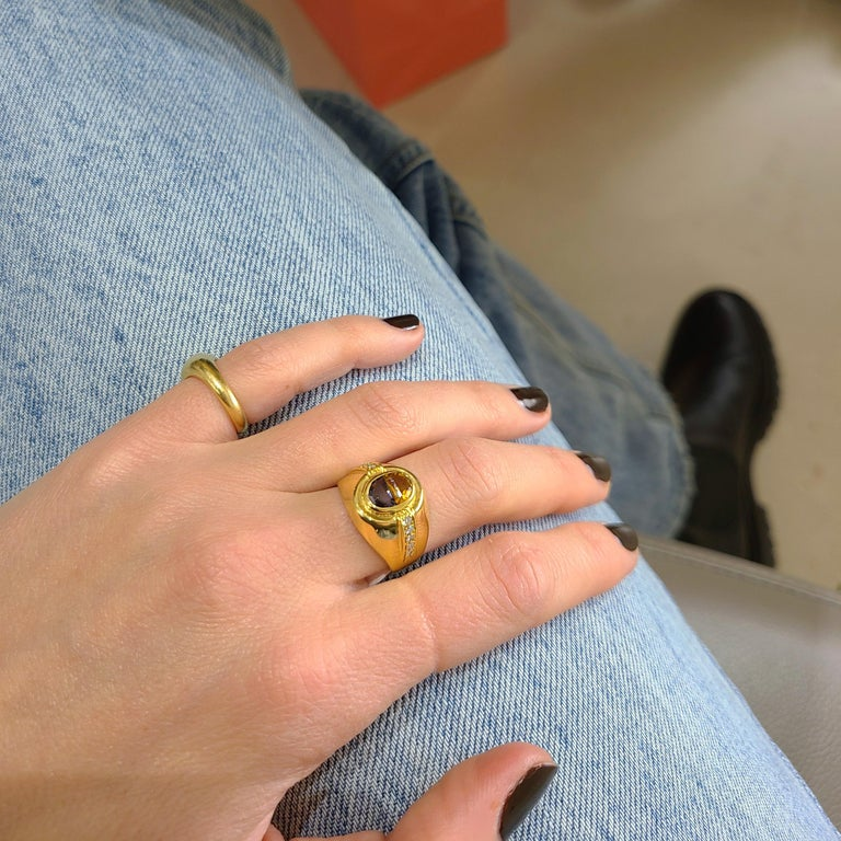 18 Karat Yellow Gold Ring with Blue Sapphire and Citrine Half Moon Center In New Condition For Sale In New York, NY