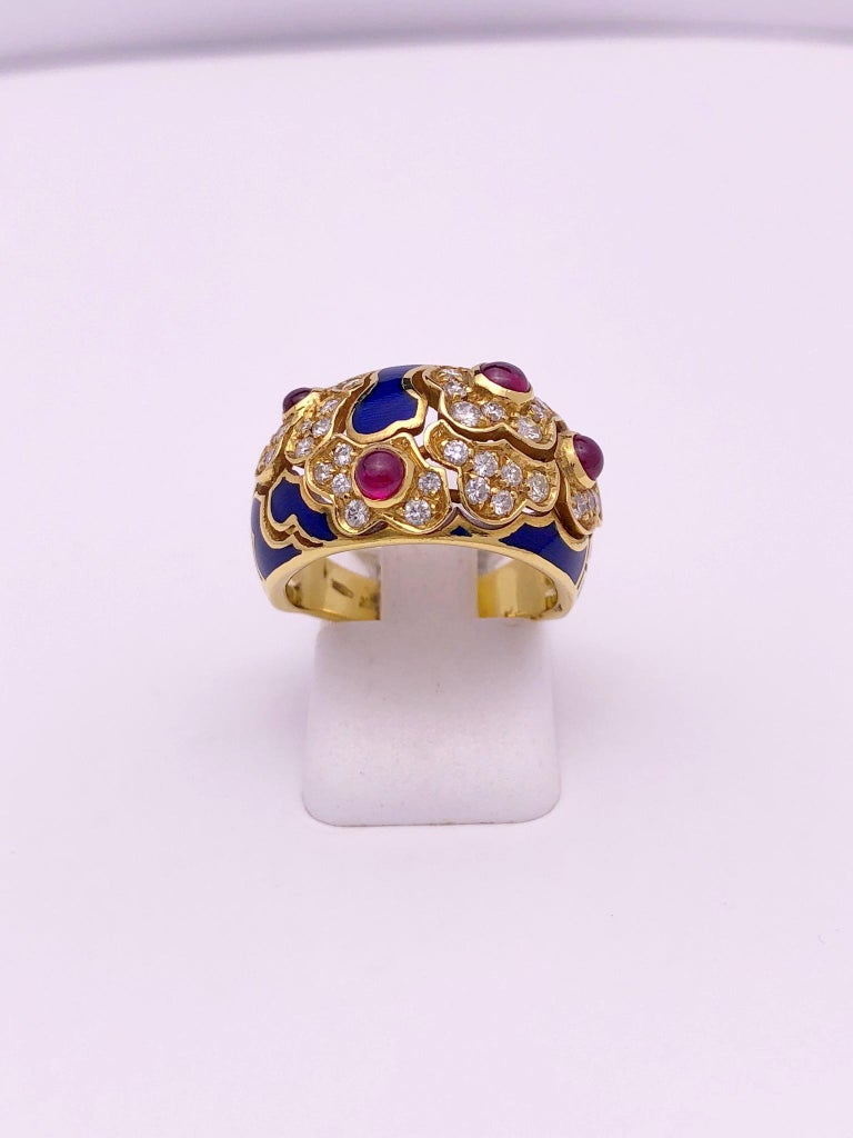18 Karat Yellow Gold Ring with Rubies, Diamonds and Enamel In New Condition For Sale In New York, NY