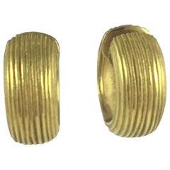 18ky Roma Huggie Hoop Earrings
