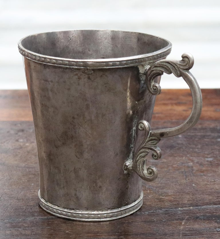 18th-19th Century Bolivian Silver Cup with Handle In Good Condition For Sale In Malaga, ES
