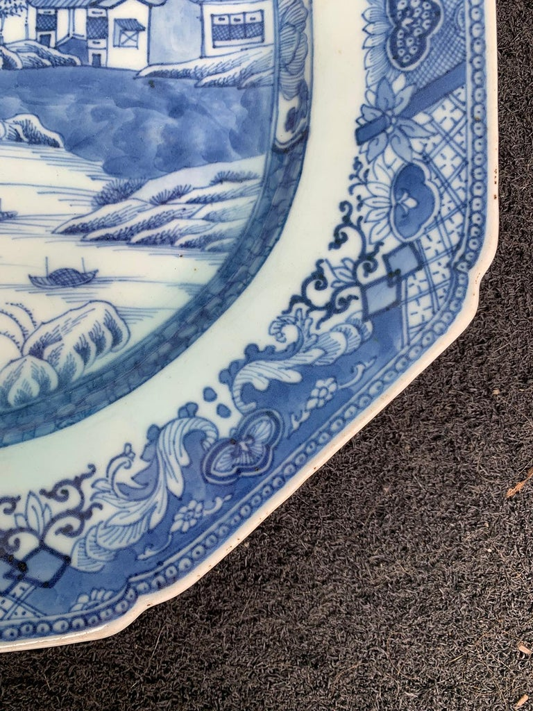 18th-19th Century Chinese Canton Blue and White Charger For Sale 1