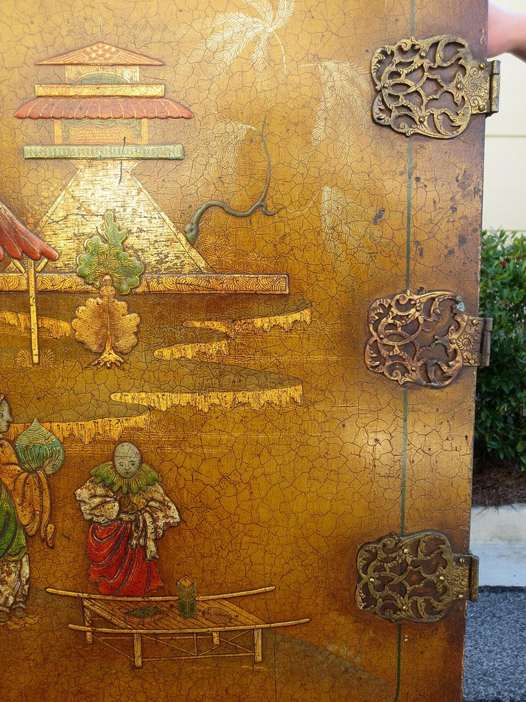 Wood 18th-19th Century Chinoiserie Cabinet For Sale