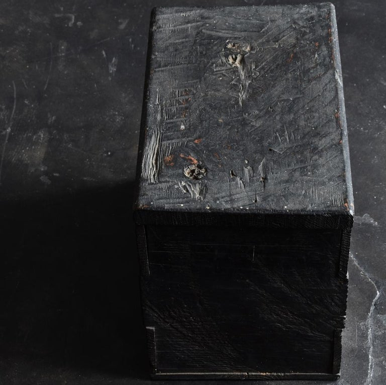 Woodwork 18th-19th Century Edo Period Japanese Wooden Box For Sale