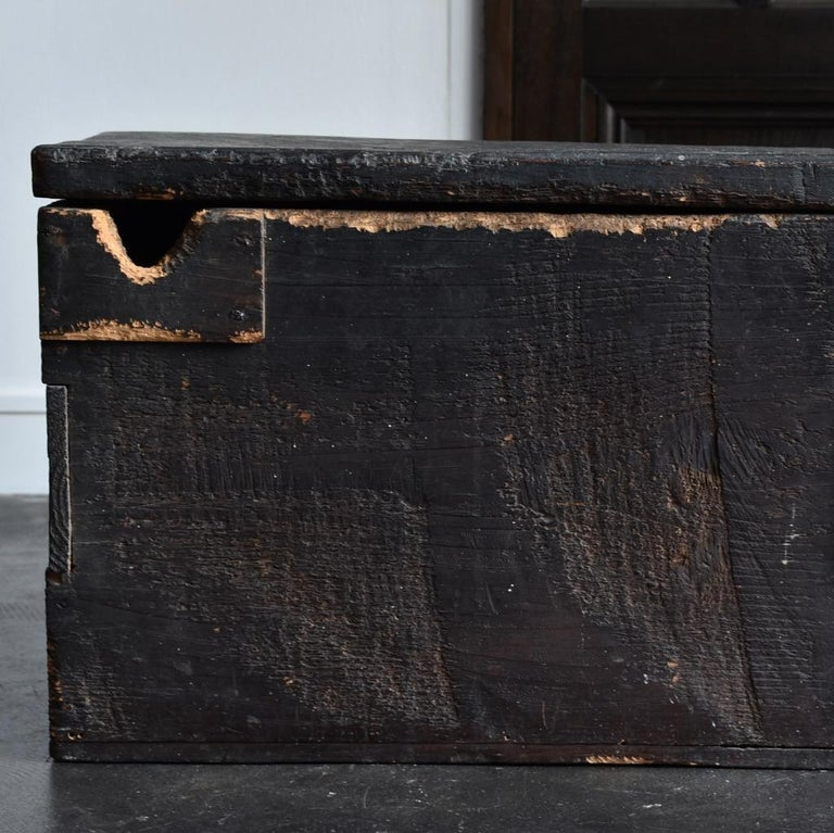 18th-19th Century Edo Period Japanese Wooden Box For Sale 1