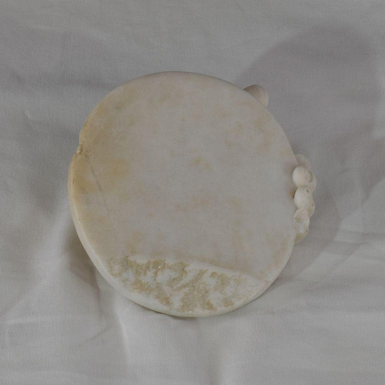 18th-19th Century Italian Marble Fragment of a Hand Holding a Disc For Sale 6