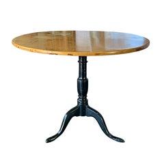 18th-19th Century Swedish Alder Root Tilt Top Round Side Table