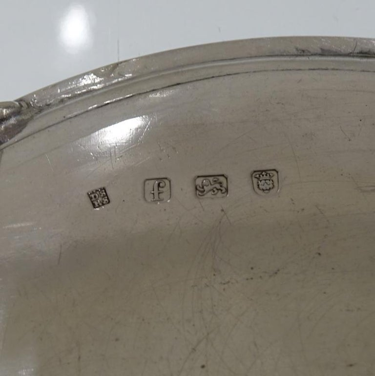 Antique George III Sterling Silver Pair of Salvers London 1781 Smith and Sharp For Sale 2