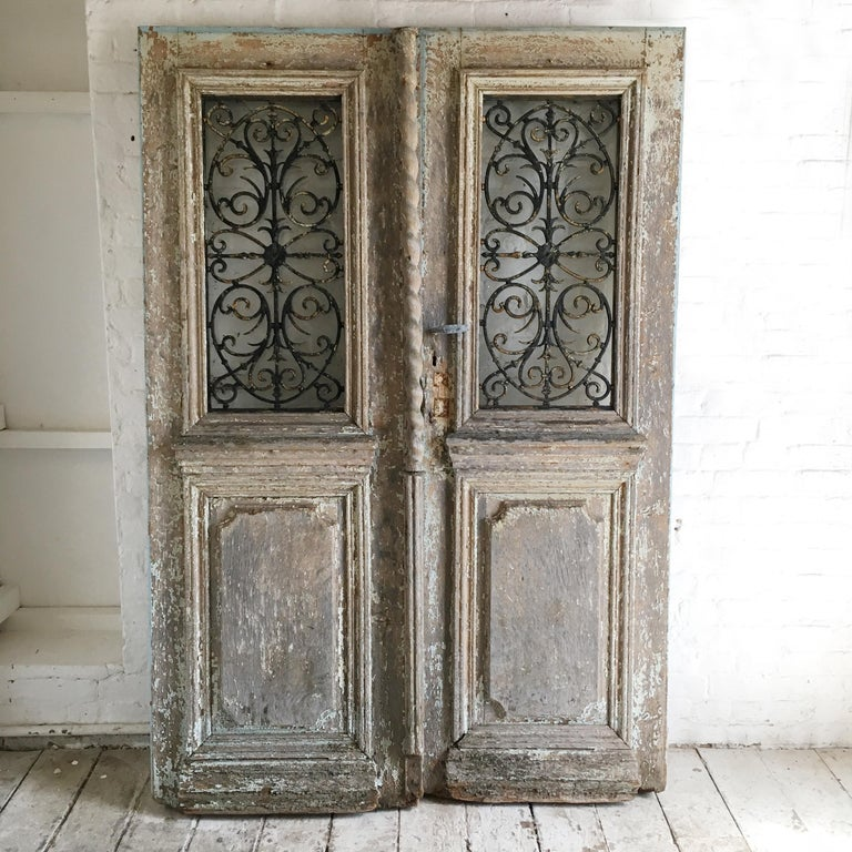 18th Century French Oak Chateau Doors with Transom In Fair Condition For Sale In Hastings, GB