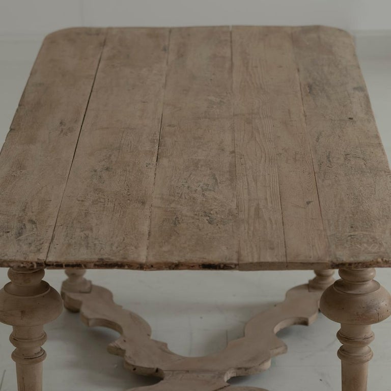 18th Century Italian Pine Painted Table For Sale 6