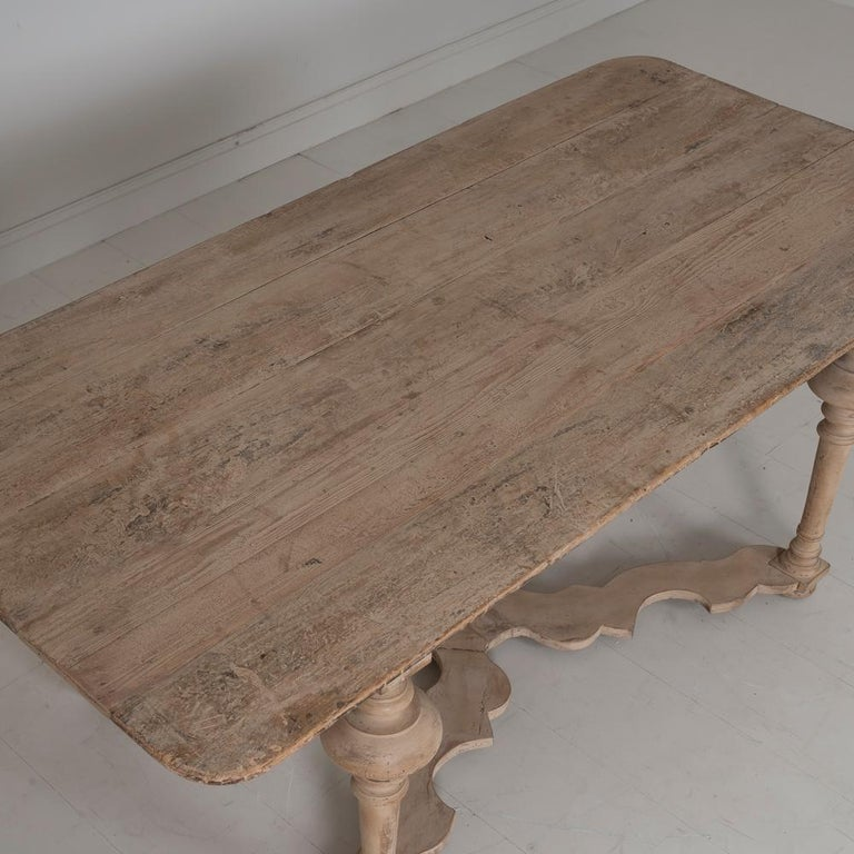 18th Century Italian Pine Painted Table For Sale 7