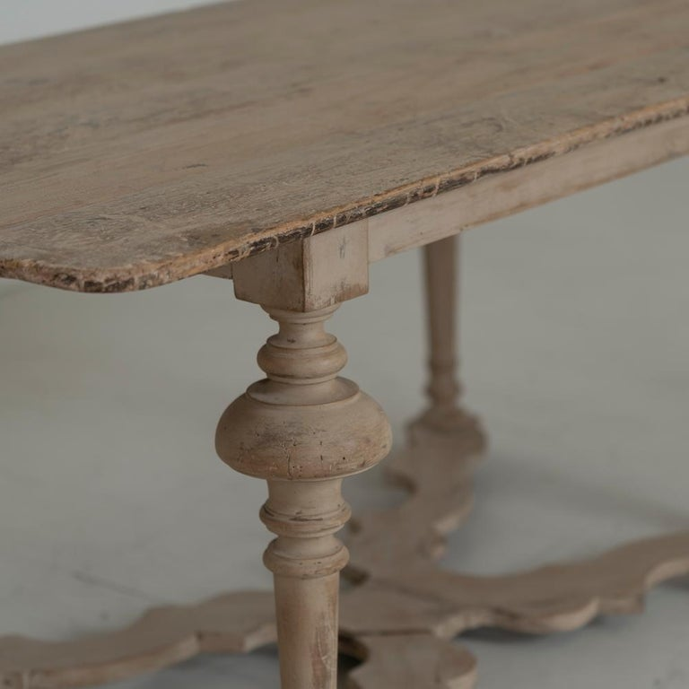 18th Century Italian Pine Painted Table For Sale 1