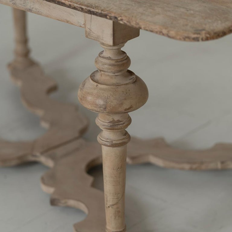 18th Century Italian Pine Painted Table For Sale 4