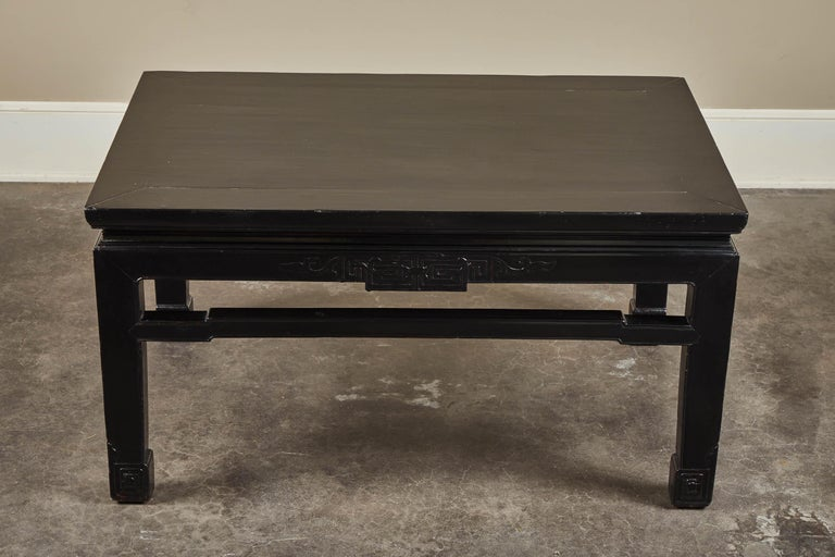 18th Century and Earlier 18th Century Low Black Lacquer Kang Table For Sale