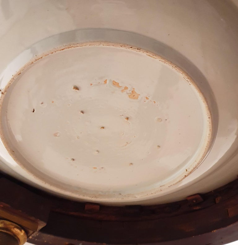 18th Century Porcelain Dish with Rosewood Display Table For Sale 1