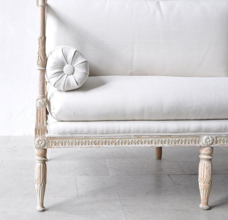 18th Century Swedish Gustavian Period Painted Daybed from Stockholm In Excellent Condition For Sale In Wichita, KS
