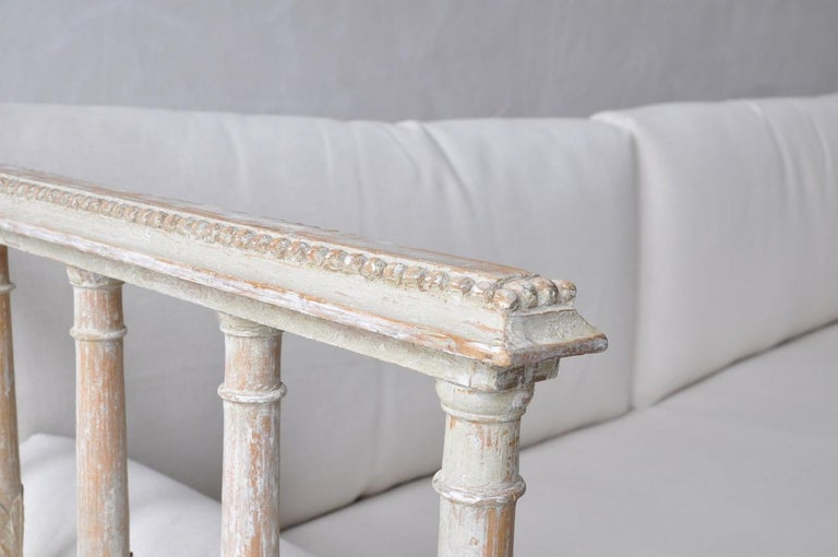 18th Century Swedish Gustavian Period Painted Daybed from Stockholm For Sale 2