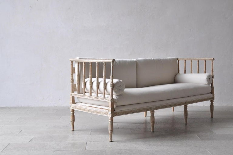 18th Century Swedish Gustavian Period Painted Daybed from Stockholm For Sale 3