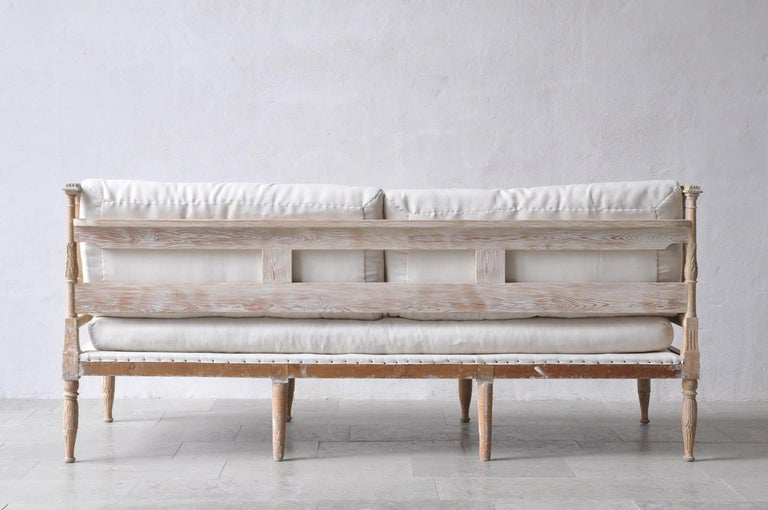 18th Century Swedish Gustavian Period Painted Daybed from Stockholm For Sale 4