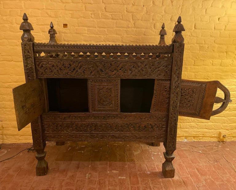 18th Century Afghan Wedding Chest In Good Condition For Sale In Brussels, Brussels