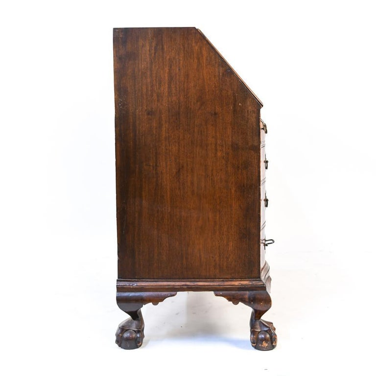 18th Century American Mahogany Chippendale Slant Front Desk In Good Condition For Sale In Essex, MA