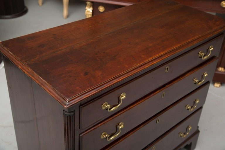 Hand-Crafted 18th Century American Mahogany Straight Front Chest of Drawers For Sale