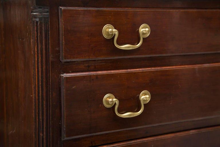 18th Century American Mahogany Straight Front Chest of Drawers In Distressed Condition For Sale In WEST PALM BEACH, FL