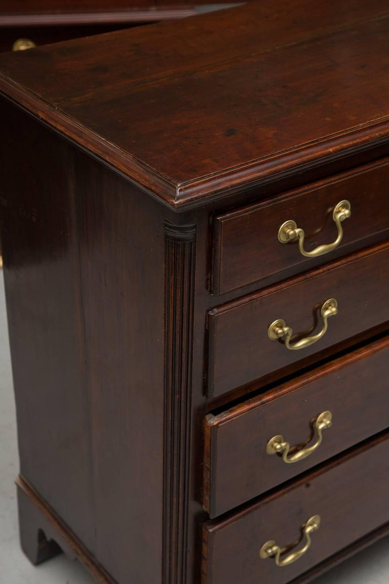 18th Century American Mahogany Straight Front Chest of Drawers For Sale 2