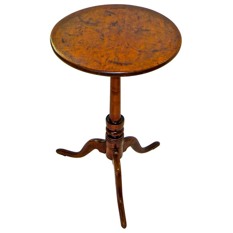 18th Century American Queen Anne Candle Stand, circa 1775 For Sale