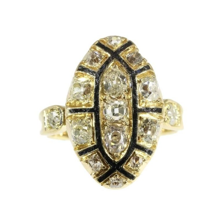 18th Century Antique 1.50 Carat Diamond & Black Enamel 18 Karat Yellow Gold Ring In Excellent Condition For Sale In Antwerp, BE