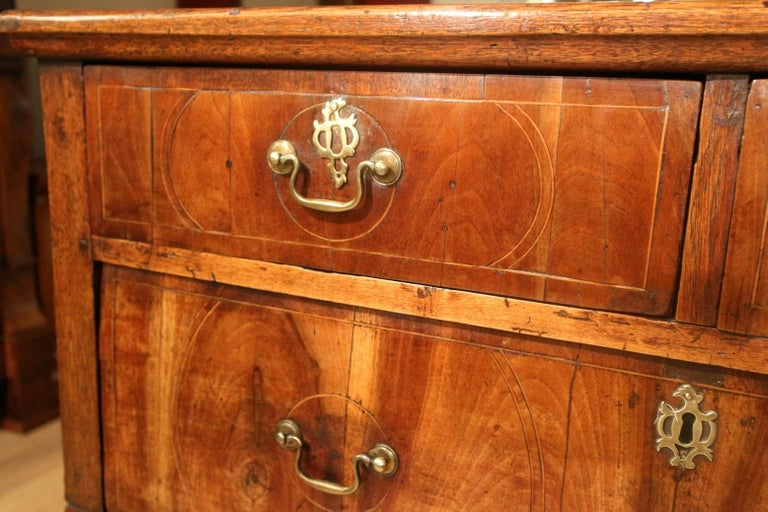 English 18th Century Antique Chest of Drawers in Walnut and Oak For Sale