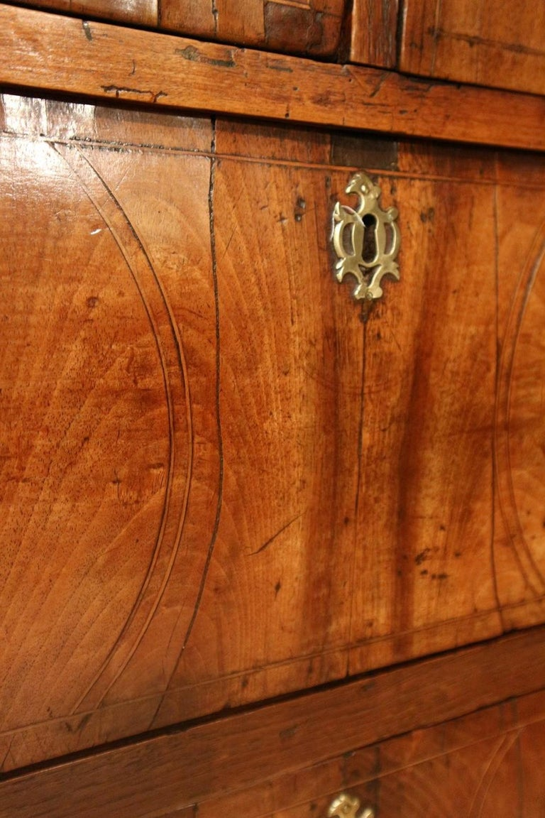Mid-18th Century 18th Century Antique Chest of Drawers in Walnut and Oak For Sale