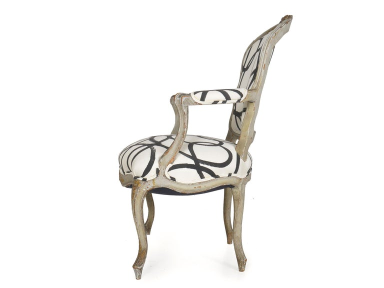 18th Century Antique French Louis XV Period Gray Painted Armchair In Good Condition For Sale In Shippensburg, PA