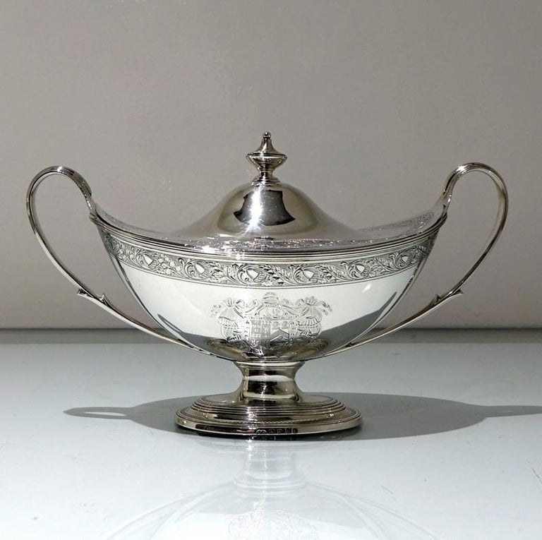 Georgian 18th Century Antique George III Sterling Silver Pair of Sauce Tureens, London For Sale