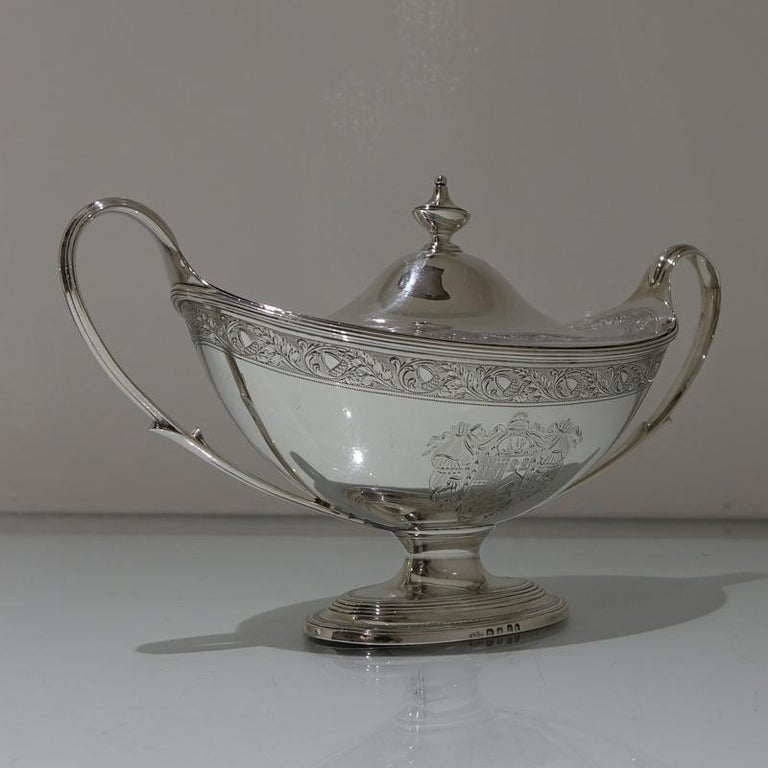 Late 18th Century 18th Century Antique George III Sterling Silver Pair of Sauce Tureens, London For Sale