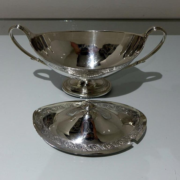 18th Century Antique George III Sterling Silver Pair of Sauce Tureens, London For Sale 2