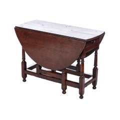 18th Century Antique Oak Gateleg Table