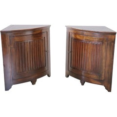 18th Century Antique Pair of Corner Cupboard or Corner Cabinet in Solid Walnut