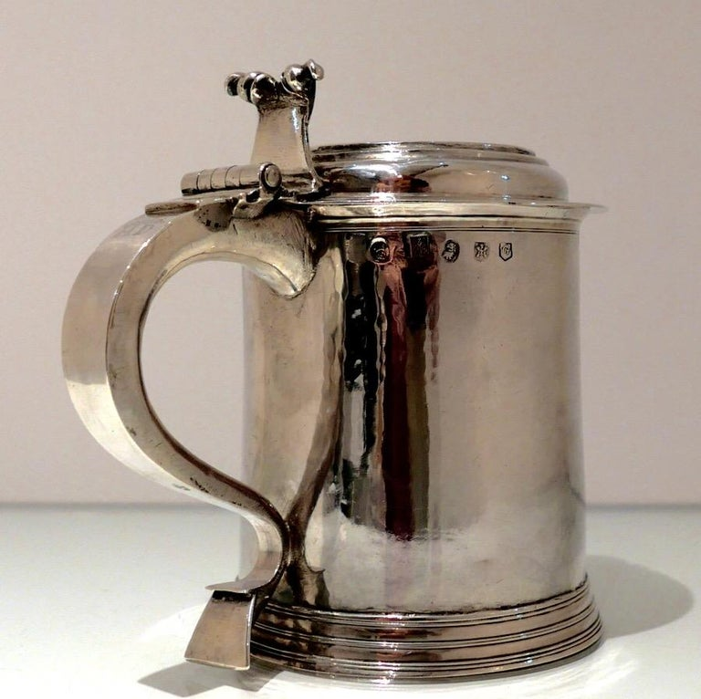 Early 18th Century 18th Century Antique Queen Anne Britannia Silver Lidded Tankard Exeter, 1707 For Sale