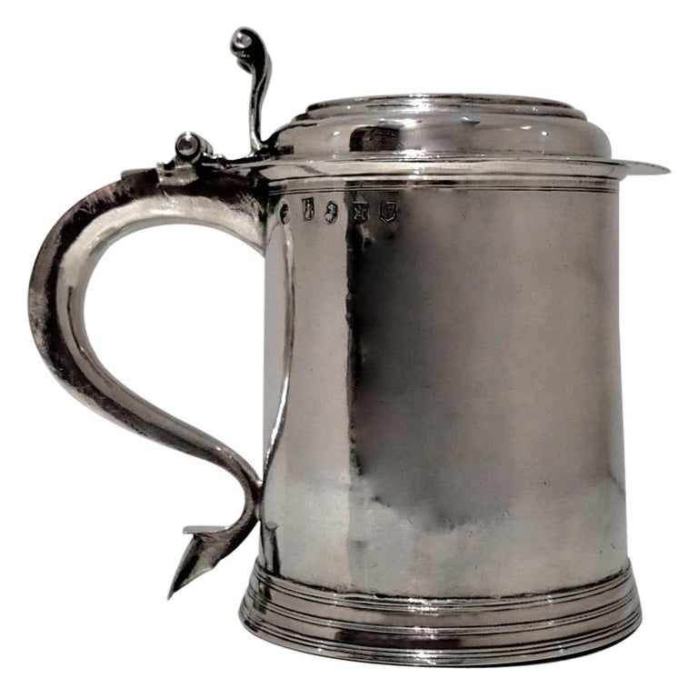 18th Century Antique Queen Anne Britannia Silver Lidded Tankard Exeter, 1707 For Sale